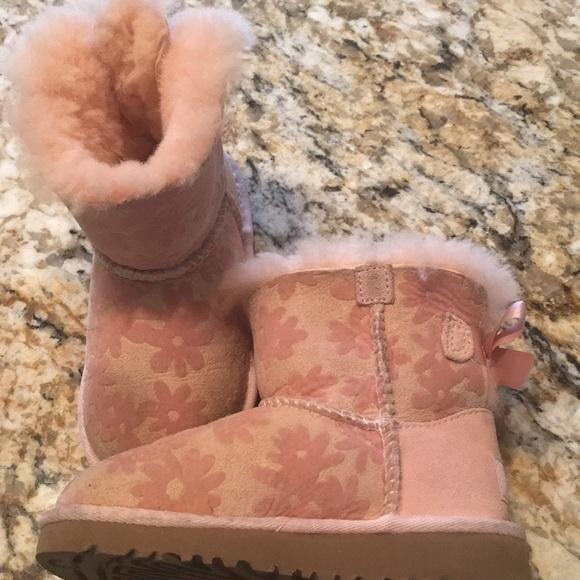 Shoes   Girls Uggs Size 9 Pink   Poshmark